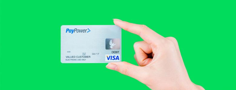 クレジットカードで現金を手にする